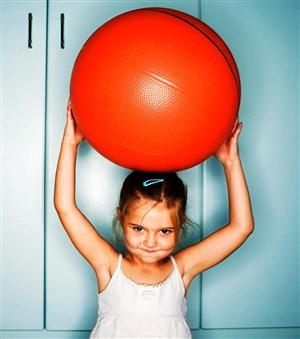 girl with ball pic